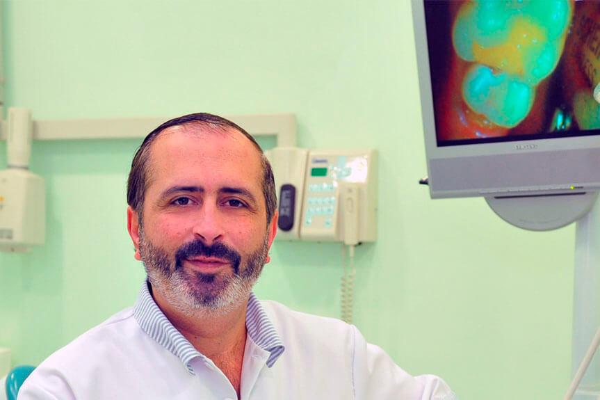 odontologo francisco castellanos